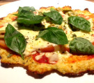 Healthy Cauliflower Base Pizza  : SUPER TASTY!
